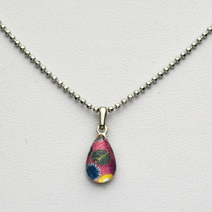 Small Teardrop necklace - Pink